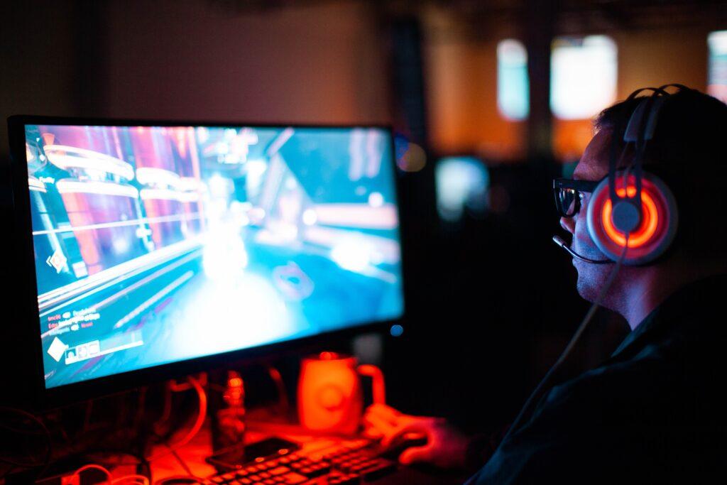krog til headset på gamer bord